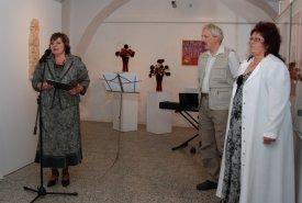 Fotografie z vernisáže výstavy Žena mnoha tváří a doprovodných akcí, vernisáž se konala v sobotu 4. 9. 2009.