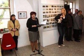 Fotografie z vernisáže výstavy Sběratelé Lanškrounska se představují a výstavy Věci kolem nás